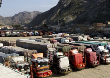 گذرگاههای پاکستان به روی صادرات افغانستان هفته آینده باز میشوند